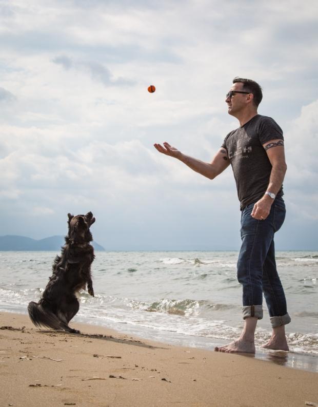 VanDoggo Tikka Italy Dog Beach-17.JPG