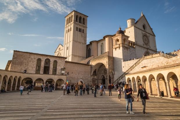 vanDoggo Tikka Italy Assisi-12.JPG